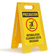 FloorBoss XL™ Spanish Caution Slippery When Wet Stand-Up Sign